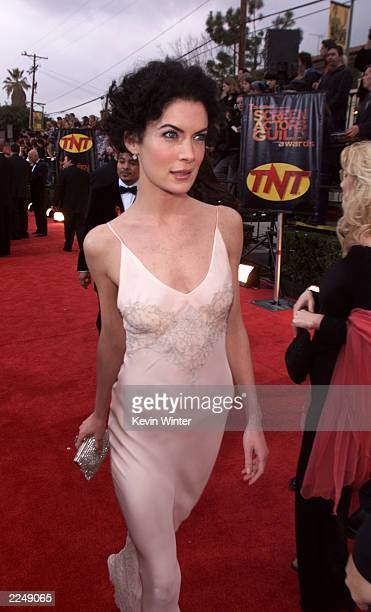Lara Flynn Boyle arrives at the 7th Annual Screen Actors Guild Awards at the Shrine Auditorium in Los Angeles Sunday March 11 2001 Photo by Kevin...