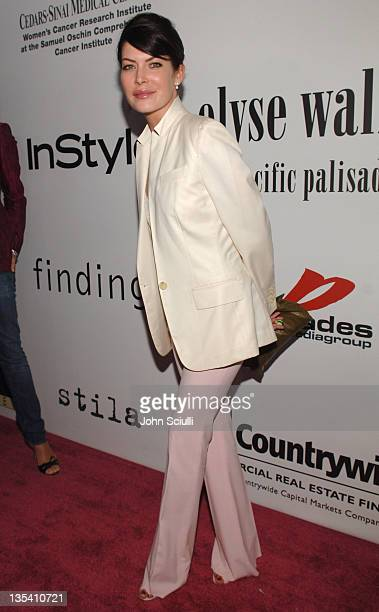 Lara Flynn Boyle during 2nd Annual 'The Pink Party' A StarStudded Elyse Walker Benefit Supporting CedarsSinai Women's Cancer Research Institute at...
