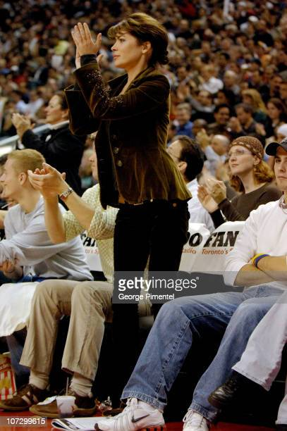 Lara Flynn Boyle during Lara Flynn Boyle and Stephen Dorff Attend the Washington Wizards vs Toronto Raptors Game November 2 2005 at Air Canada Centre...