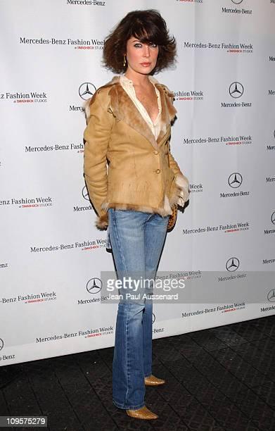Lara Flynn Boyle during MercedesBenz Spring 2005 Fashion Week at Smashbox Studios Day 3 Arrivals at Smashbox Studios in Culver City California United...