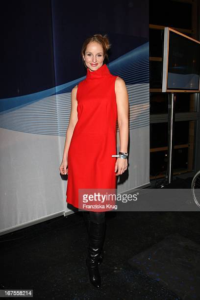 Lara Joy Körner Bei Der Blue Hour Opening Party Der Ard Im E4 In Berlin Bei Der 59 Berlinale