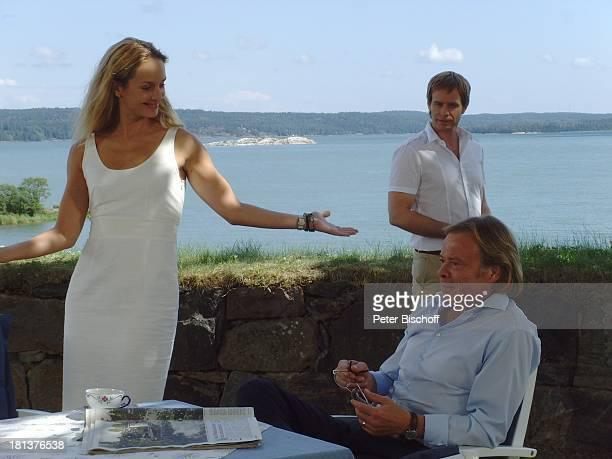 Lara Joy Körner Volker Lechtenbrink dahinter Julian Weigend ZDFSonntagsfilm Inga LindströmFilm Folge 31 Das Herz meines Vaters Nyköping Schweden...