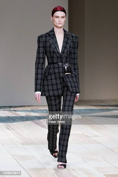 Lara Mullen walks the runway during the Alexander McQueen as part of the Paris Fashion Week Womenswear Fall/Winter 2020/2021 on March 02, 2020 in...