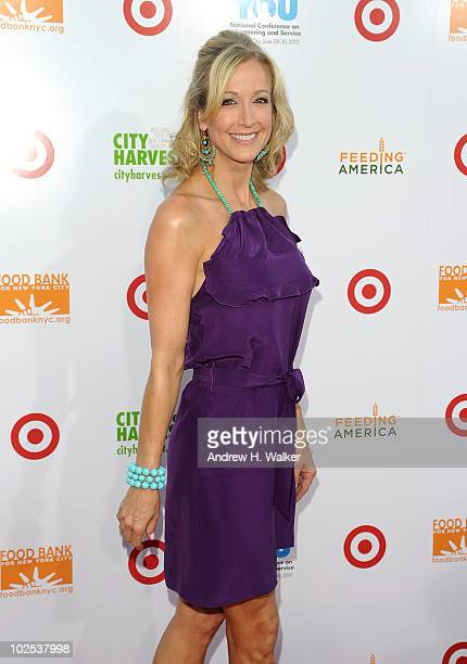Lara Spencer attends the Party for Good Making Meals to Feed Young Minds event at Basketball City Pier 36 South Street on June 29 2010 in New York...