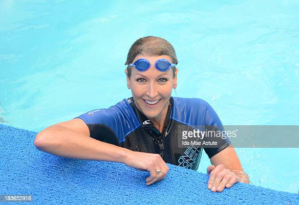 AMERICA Lara Spencer jumps into the pool with extreme athlete Diana Nyad who is swimming 48hours nonstop in New York's Herald Square to raise funds...