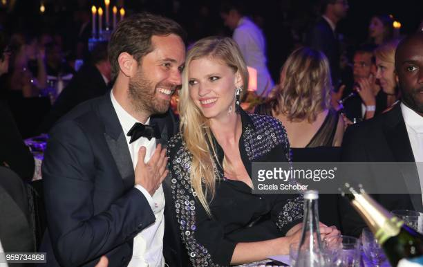Lara Stone and her boyfriend David Grievson during the amfAR Gala Cannes 2018 dinner at Hotel du CapEdenRoc on May 17 2018 in Cap d'Antibes France