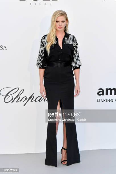 Lara Stone arrives at the amfAR Gala Cannes 2018 at Hotel du Cap-Eden-Roc on May 17, 2018 in Cap d'Antibes, France.