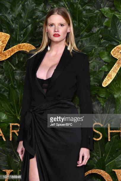 Lara Stone arrives at The Fashion Awards 2018 In Partnership With Swarovski at Royal Albert Hall on December 10, 2018 in London, England.
