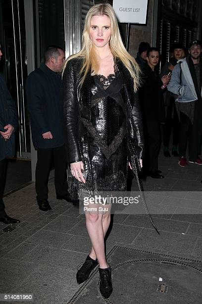 Lara Stone arrives at the Givenchy show as part of the Paris Fashion Week Womenswear Fall/Winter 2016/2017 on March 6 2016 in Paris France