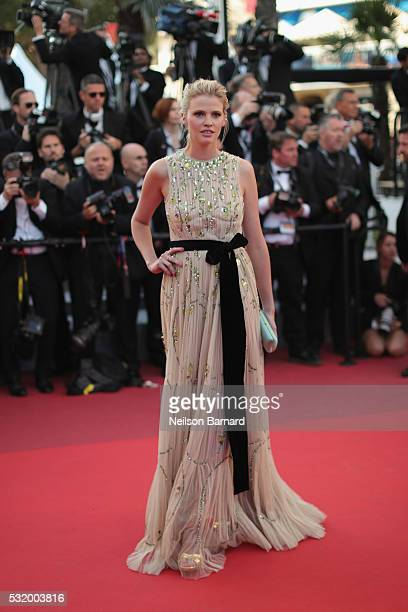 Lara Stone attends the 'Julieta' premiere during the 69th annual Cannes Film Festival at the Palais des Festivals on May 17 2016 in Cannes France