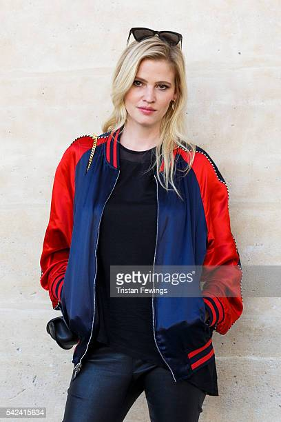Lara Stone attends the Louis Vuitton Menswear Spring/Summer 2017 show as part of Paris Fashion Week on June 23 2016 in Paris France