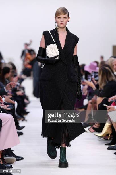 Lara Stone walks the runway during the Valentino as part of the Paris Fashion Week Womenswear Fall/Winter 2020/2021 on March 01, 2020 in Paris,...