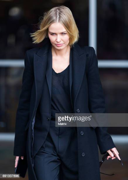 Lara Worthington arrives into Sydney on May 31 2017 in Sydney Australia