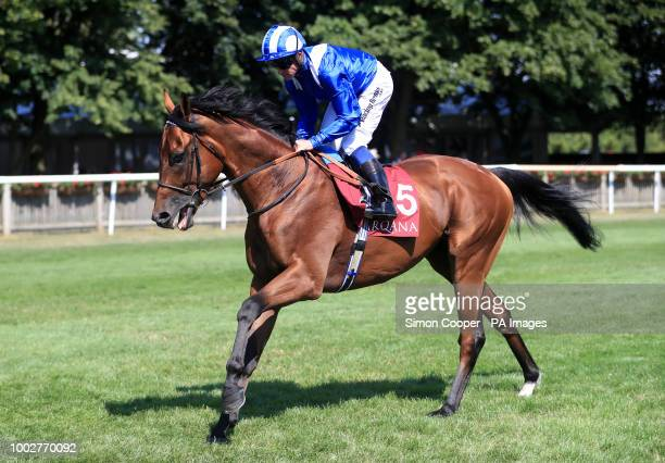 Laraaib ridden by Jim Crowley goes to post