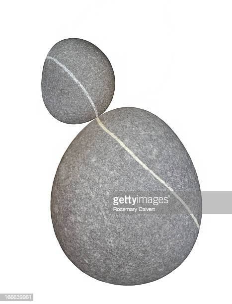 Large and small pebble, continuous line of quartz