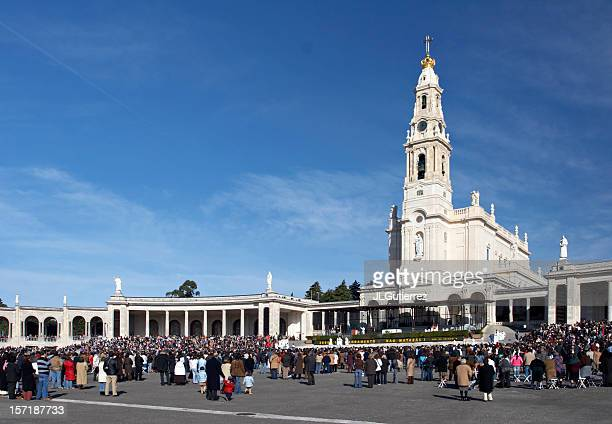 large church and square in fatima, portugal - fatima stock pictures, royalty-free photos & images
