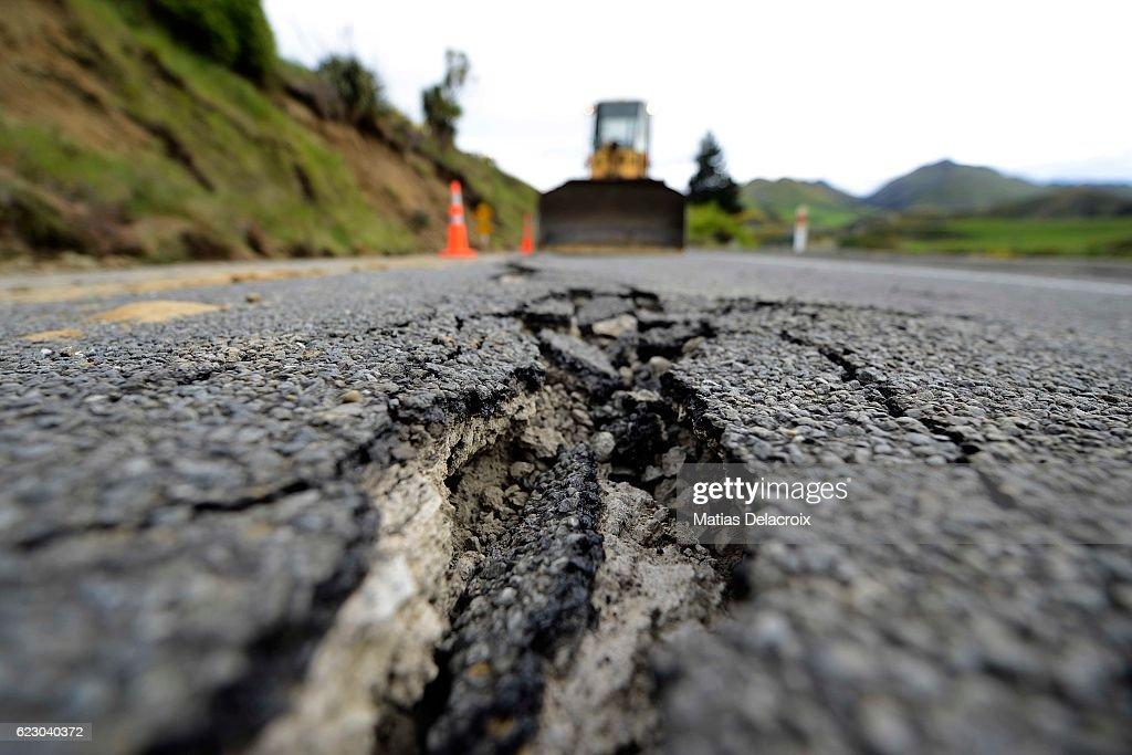 7.5 Magnitude Earthquake Hits New Zealand : News Photo