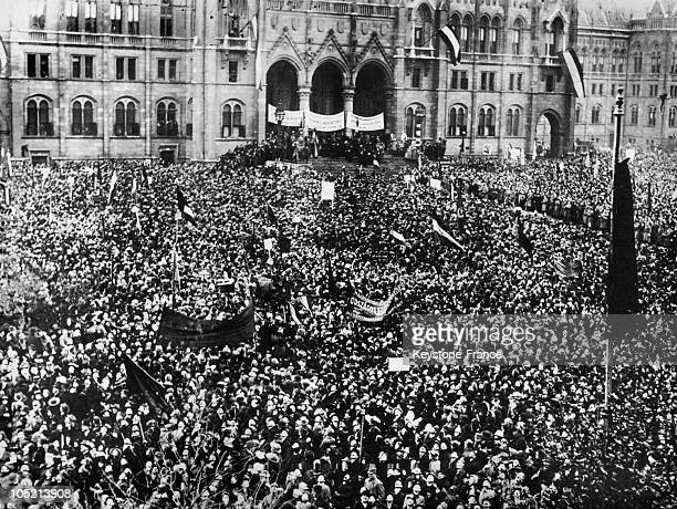Large Crowd Gathered Before The Parliament Of Budapest On November 17 To Celebraate Hungary'S Proclamation Of Independence From Austria Obtained One...