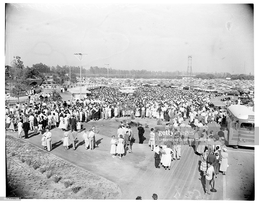 Disneyland opening, 1955 : News Photo