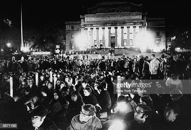 A large crowd of students and others gather in front of the Low Librray on the Columbia University campus during a rally about the Viet Nam War New...
