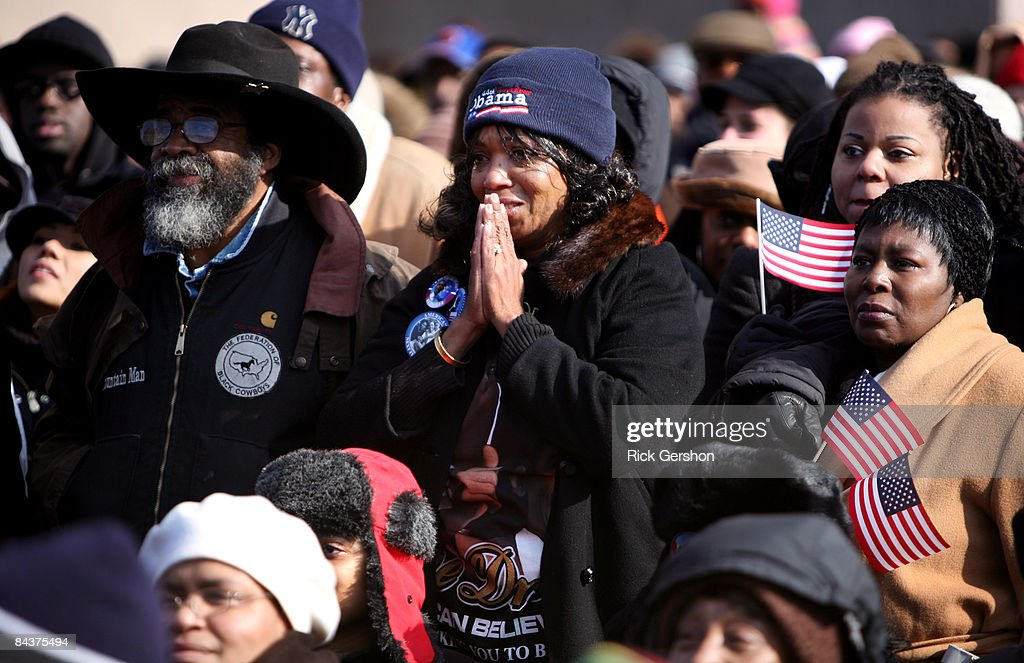 New Yorkers Observe The Inauguration Of Barack Obama : News Photo