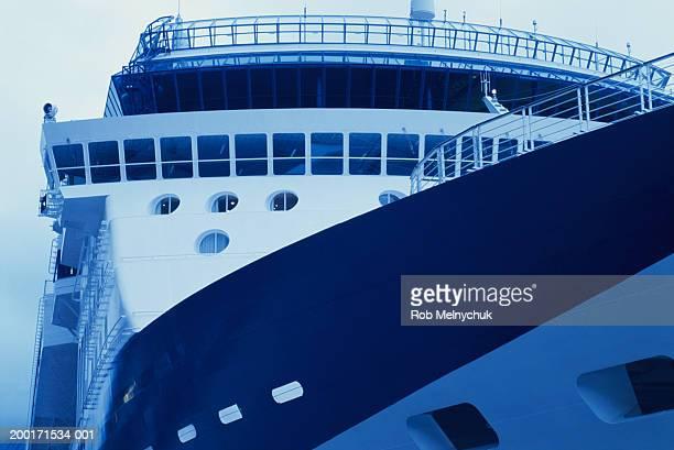 large cruise ship (blue tone) - 旅客船 ストックフォトと画像