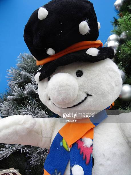 large cuddly lifesize cartoon snowman, seasonal winter christmas display, snow - life size stock pictures, royalty-free photos & images