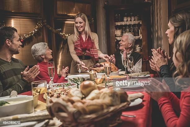 Große Familie, die Weihnachtszeit