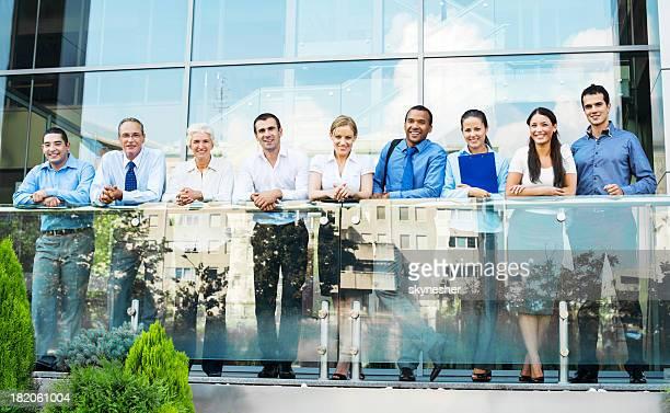 グループのビジネスマンをお過ごしください。