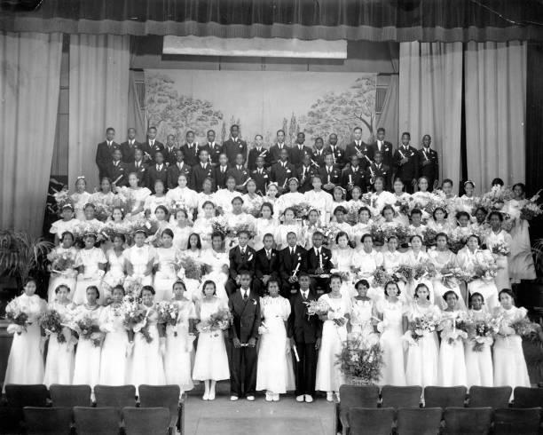 UNS: Vintage Prom Season