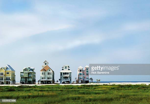 large houses on beach - gulf shores alabama stock pictures, royalty-free photos & images