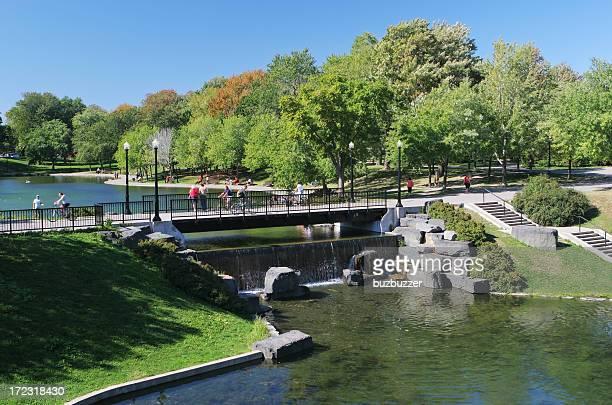 Große metropolitan Lafontaine park in Montreal city