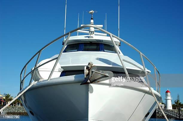 Grand yacht à moteur