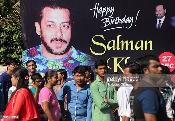 Large number of fans gather outside the Bandra residence of Bollywood actor Salman Khan on his 50th birthday on December 27 2015 in Mumbai India...