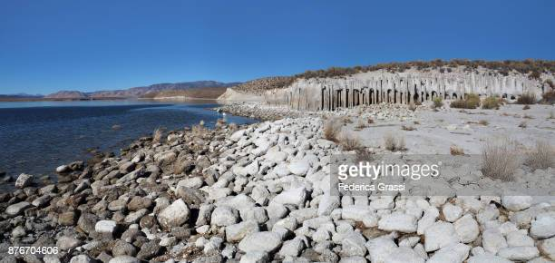 large panoramic of crowley lake tufa columns, california - 炭酸石灰 ストックフォトと画像