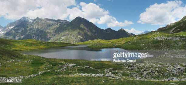 large panoramic of the swiss alps and pontimia lakes (laghi di pontimia) - 全景 ストックフォトと画像