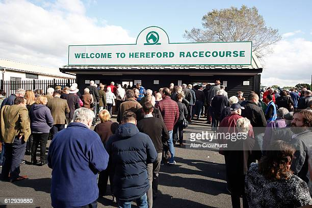 Large queues form at the entrance at Hereford racecourse on October 6 2016 in Hereford England Hereford today sees a return to jump racing for the...