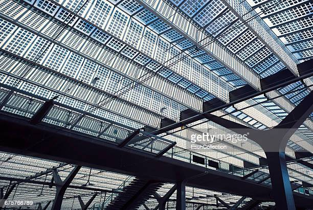 Large roof with solar cells at Rotterdam Central