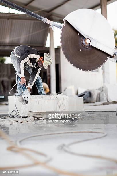 large saw blade near artisan head - merten snijders imagens e fotografias de stock