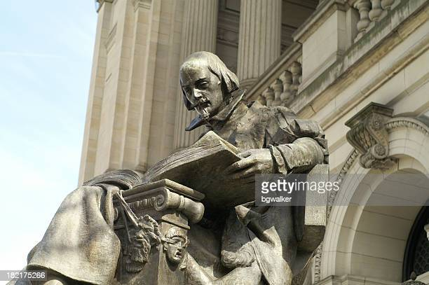 a large statue of william shakespeare - reading pennsylvania stock pictures, royalty-free photos & images