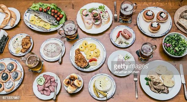 large table of food - tjeckien bildbanksfoton och bilder