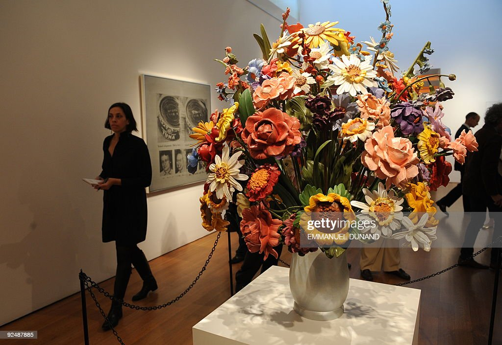 Large Vase Of Flowers By Jeff Koons Is Pictures Getty Images