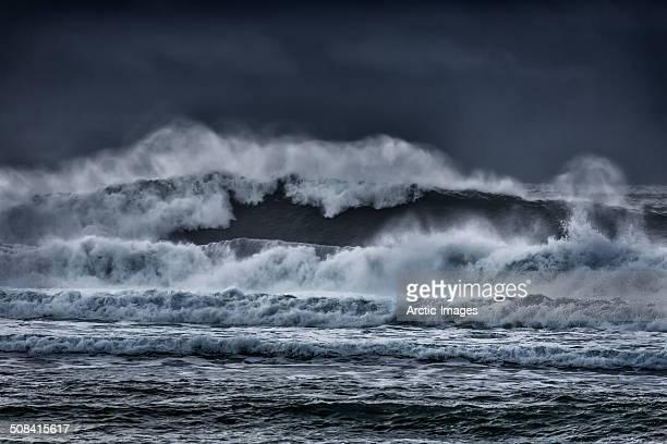 Large waves in the ocean