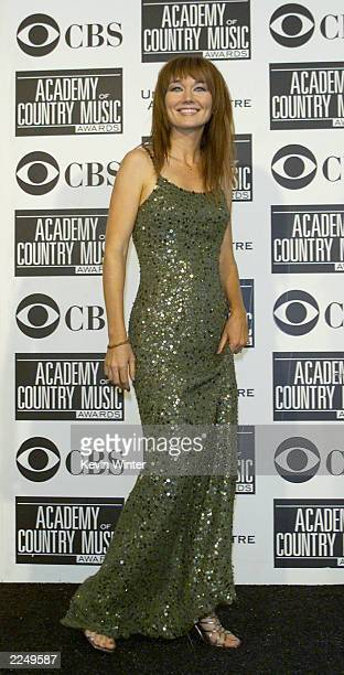 Lari White at the 36th Annual Academy of Country Music Awards at the Universal Amphitheatre in Los Angeles Ca 5/9/01 Photo by Kevin Winter/Getty...