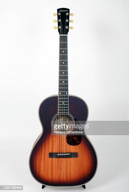 Larrivee Model OOO-03 MH Vintage Sunburst Acoustic Guitar .