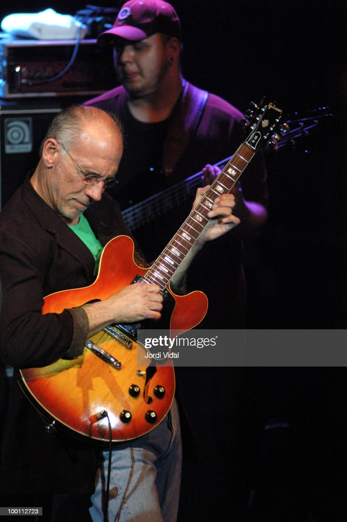 Larry Carlton and Travis Carlton perform on stage at Luz de Gas on May 12, 2005 in Barcelona, Spain.