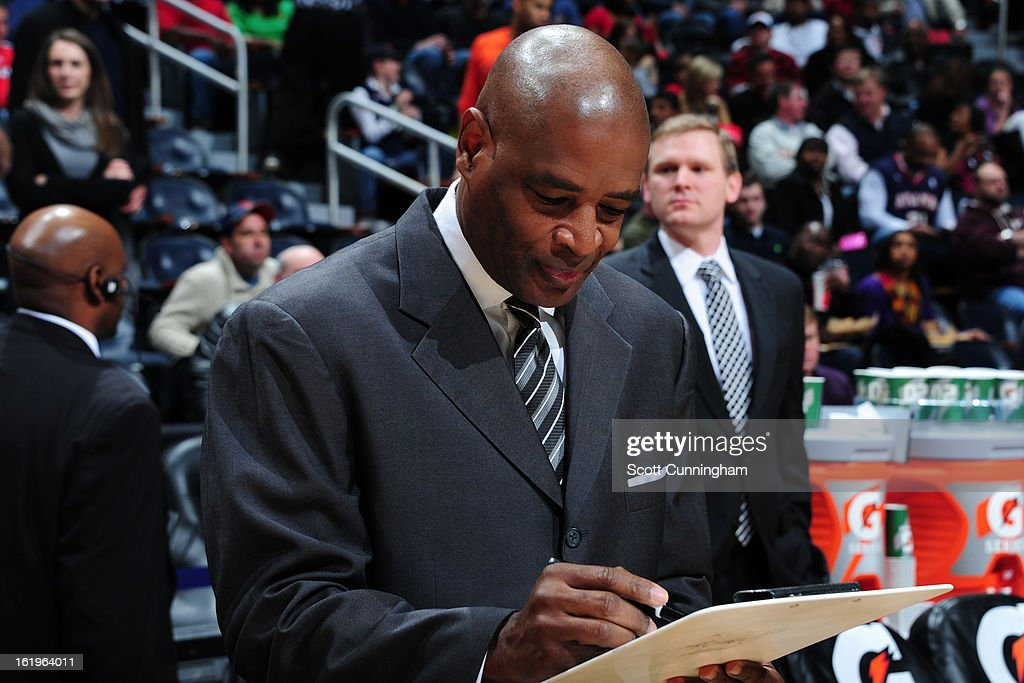 Larry Drew of the Atlanta Hawks draws up plays before the game against the Chicago Bulls on February 2, 2013 at Philips Arena in Atlanta, Georgia.