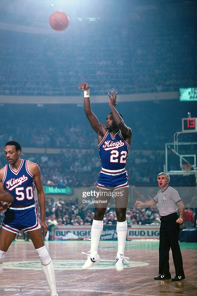 Larry Drew #22 of the Kansas City Kings shoots a jump shot against the Boston Celtics during a game played in 1983 at the Boston Garden in Boston, Massachusetts.