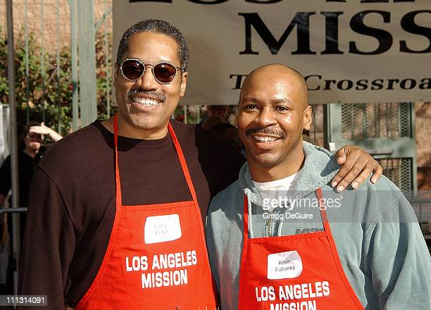 Larry Elder Kevin Eubanks during Los Angeles Mission Thanksgiving Meal for the Homeless in Los Angeles California United States
