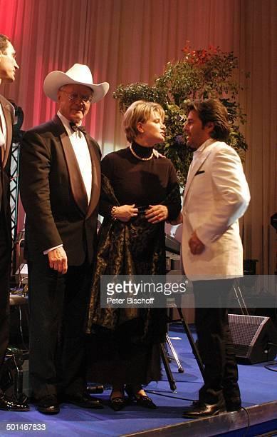 Larry Hagman Andrea Spatzek Thomas Anders CharityVeranstaltung 13 UnescoBenefizGala für Kinder in Not Hotel Swissotel Neuss NordrheinWestfalen...